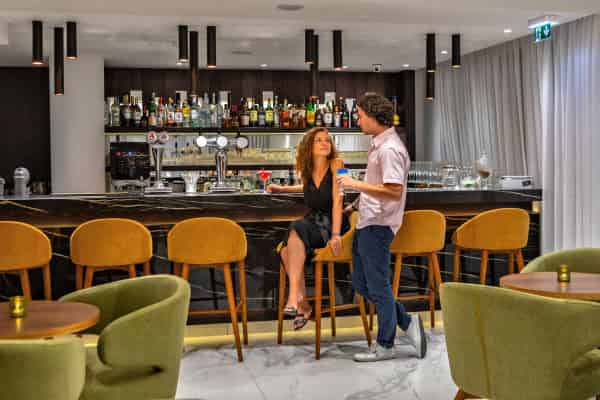 Elegant Ariadne Lounge Bar