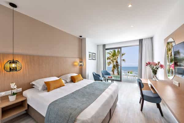 Twin/Double Sea View rooms