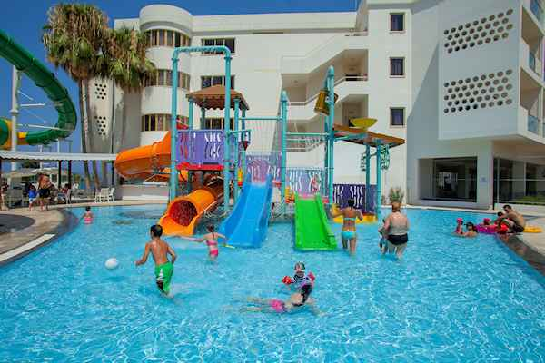 Leonardo Laura Beach & Splash Resort - Especially for Children