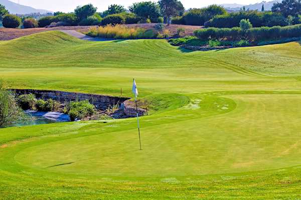 Paphos Golf: beautiful greens with spectacular views